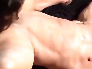 Lezzies Muscle Women