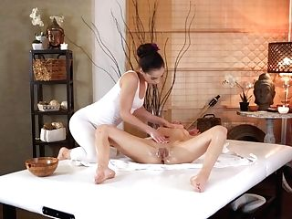 Anastasia Brokelyn & Madison Mcqueen In Slow Oil Soaked Sapphic Delectations - Sexyhub