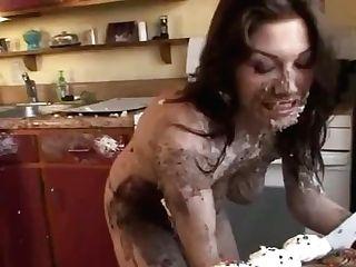 Liz - Messy Cupcake Have Fun