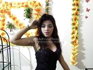 Indian Song Perform By Paki Female - In Sexy Mood - Aio Raja-