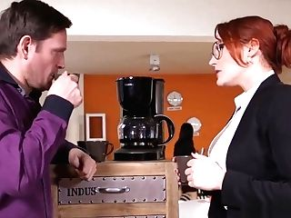 Big-boobed Spex Lesbo Getting Eaten Out